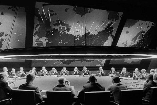 Il Dottor Stranamore ovvero Evoluzione, peculiaritá e paradossi della strategia nucleare