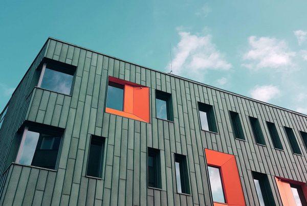 Il social housing tra tutela del diritto universale all'abitazione e discriminazioni fondate sulla residenza