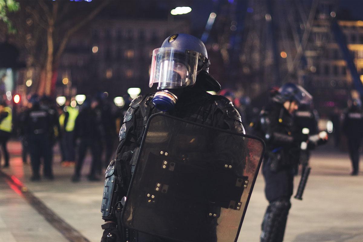 Colloquio con il generale Fabio Mini sul mondo attuale: l'Isis, i migranti, l'Ucraina, la Cina, la Nato, Papa Francesco